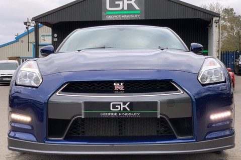 Nissan GT-R V6 - LOW MILEAGE - FULL GTR SPECIALIST SERVICE HISTORY 9