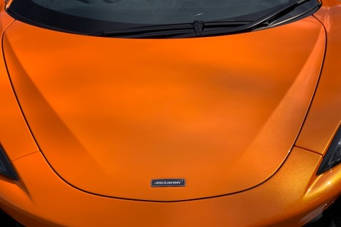 McLaren 570S V8 SSG - VENTURA ORANGE - SPORTS EXHAUST- LUX PACK- B&W -CARBON -SOFT CLOSE 23