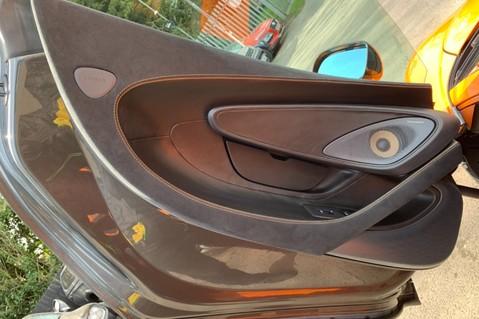 McLaren 570S V8 SSG - VENTURA ORANGE - SPORTS EXHAUST- LUX PACK- B&W -CARBON -SOFT CLOSE 44