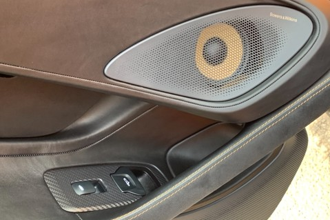 McLaren 570S V8 SSG - VENTURA ORANGE - SPORTS EXHAUST- LUX PACK- B&W -CARBON -SOFT CLOSE 45