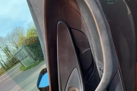 McLaren 570S V8 SSG - VENTURA ORANGE - SPORTS EXHAUST- LUX PACK- B&W -CARBON -SOFT CLOSE 51