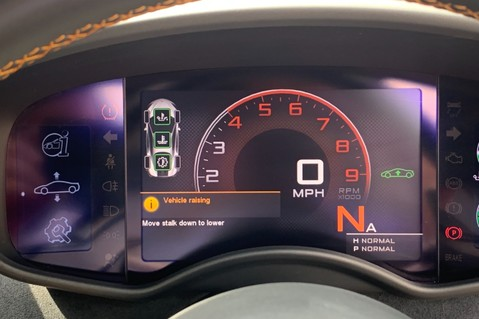 McLaren 570S V8 SSG - VENTURA ORANGE - SPORTS EXHAUST- LUX PACK- B&W -CARBON -SOFT CLOSE 67