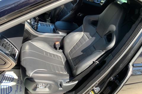 Land Rover Range Rover Sport 5.0 V8 S/C SVR - TRIPLE BLACK - CARBON INTERIOR PACK - SLIDING PAN ROOF 31