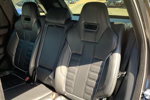 Land Rover Range Rover Sport 5.0 V8 S/C SVR - TRIPLE BLACK - CARBON INTERIOR PACK - SLIDING PAN ROOF 42