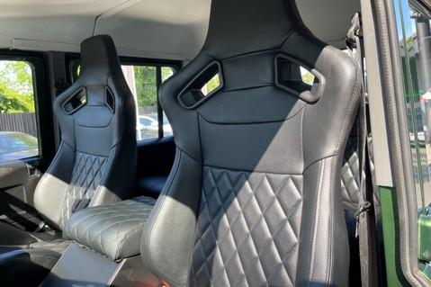 Land Rover Defender 110 TD5 DOUBLE CAB SPECTRE - LAMBORGHINI VERDE ERMES PEARL GREEN 3