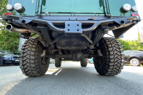 Land Rover Defender 110 TD5 DOUBLE CAB SPECTRE - LAMBORGHINI VERDE ERMES PEARL GREEN 53