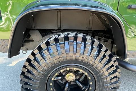 Land Rover Defender 110 TD5 DOUBLE CAB SPECTRE - LAMBORGHINI VERDE ERMES PEARL GREEN 59