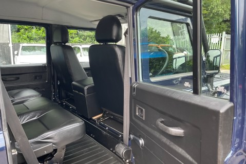 Land Rover Defender 110 2.2 TD COUNTY DOUBLE CAB - SPECTRE INSPIRED - LOIRE BLUE 35