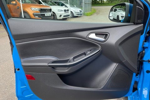 Ford Focus RS -LUX PACK -BUCKET SEATS -EVERY FACTORY EXTRA- 1 OWNER -4 FORD SERVICES 36