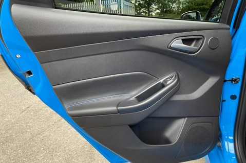 Ford Focus RS -LUX PACK -BUCKET SEATS -EVERY FACTORY EXTRA- 1 OWNER -4 FORD SERVICES 40