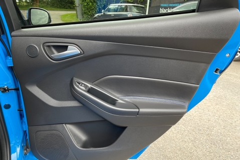 Ford Focus RS -LUX PACK -BUCKET SEATS -EVERY FACTORY EXTRA- 1 OWNER -4 FORD SERVICES 46