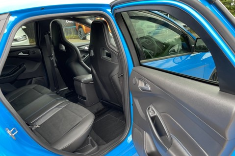 Ford Focus RS -LUX PACK -BUCKET SEATS -EVERY FACTORY EXTRA- 1 OWNER -4 FORD SERVICES 47