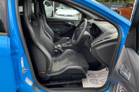 Ford Focus RS -LUX PACK -BUCKET SEATS -EVERY FACTORY EXTRA- 1 OWNER -4 FORD SERVICES 48