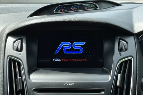 Ford Focus RS -LUX PACK -BUCKET SEATS -EVERY FACTORY EXTRA- 1 OWNER -4 FORD SERVICES 56