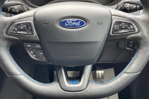 Ford Focus RS -LUX PACK -BUCKET SEATS -EVERY FACTORY EXTRA- 1 OWNER -4 FORD SERVICES 57