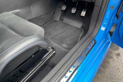 Ford Focus RS -LUX PACK -BUCKET SEATS -EVERY FACTORY EXTRA- 1 OWNER -4 FORD SERVICES 70