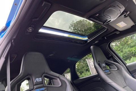Ford Focus RS -LUX PACK -BUCKET SEATS -EVERY FACTORY EXTRA- 1 OWNER -4 FORD SERVICES 73
