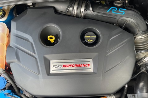 Ford Focus RS -LUX PACK -BUCKET SEATS -EVERY FACTORY EXTRA- 1 OWNER -4 FORD SERVICES 79