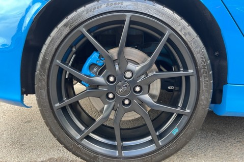 Ford Focus RS -LUX PACK -BUCKET SEATS -EVERY FACTORY EXTRA- 1 OWNER -4 FORD SERVICES 82