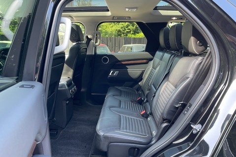 Land Rover Discovery SD4 HSE - PAN ROOF - LOW TAX - 7 SEATS - FULL LAND ROVER SERVICE HISTORY 33