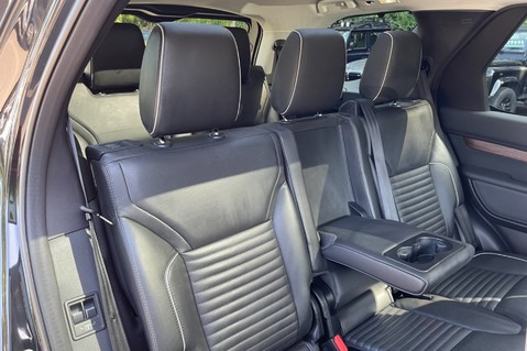 Land Rover Discovery SD4 HSE - PAN ROOF - LOW TAX - 7 SEATS - FULL LAND ROVER SERVICE HISTORY 40