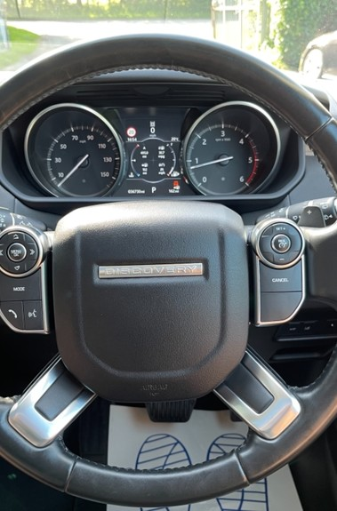Land Rover Discovery SD4 HSE - PAN ROOF - LOW TAX - 7 SEATS - FULL LAND ROVER SERVICE HISTORY