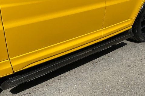 Land Rover Range Rover Sport SVR -RARE PREMIUM PALLETE MATT YELLOW-HEAD UP-ELECTRIC STEPS- SLIDING ROOF 41