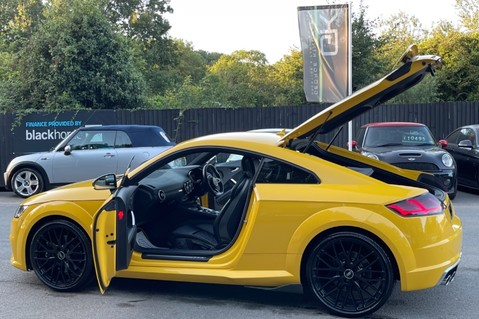 Audi TT TTS TFSI QUATTRO - VEGAS YELLOW- 20 INCH ALLOYS- CRUISE- HIGHBEAM ASSIST 17