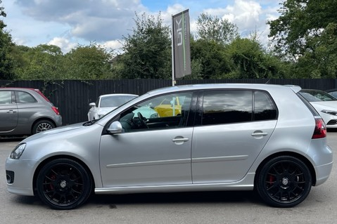 Volkswagen Golf GTI EDITION 30 T - FSH - APPLE CAR PLAY - XENONS - HEATED FRONT SEATS 12