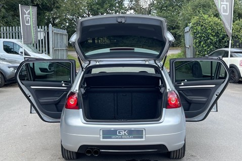 Volkswagen Golf GTI EDITION 30 T - FSH - APPLE CAR PLAY - XENONS - HEATED FRONT SEATS 9