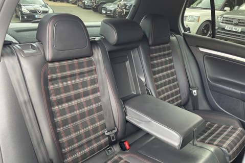 Volkswagen Golf GTI EDITION 30 T - FSH - APPLE CAR PLAY - XENONS - HEATED FRONT SEATS 29