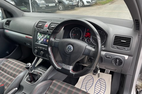 Volkswagen Golf GTI EDITION 30 T - FSH - APPLE CAR PLAY - XENONS - HEATED FRONT SEATS 30
