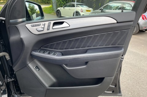 Mercedes-Benz Gle GLE 350 D 4MATIC AMG LINE PREMIUM PLUS -ONE OWNER FROM NEW -PAN ROOF- FMBSH 43