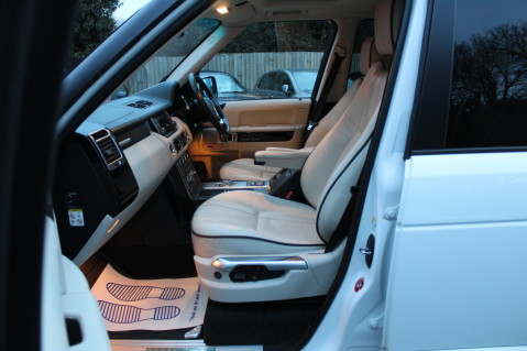 Land Rover Range Rover TDV8 WESTMINSTER - RARE WHITE WITH IVORY LEATHER 13