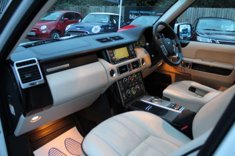 Land Rover Range Rover TDV8 WESTMINSTER - RARE WHITE WITH IVORY LEATHER 15