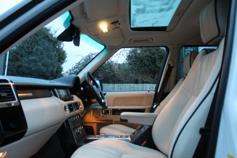 Land Rover Range Rover TDV8 WESTMINSTER - RARE WHITE WITH IVORY LEATHER 2