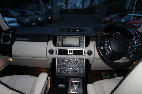 Land Rover Range Rover TDV8 WESTMINSTER - RARE WHITE WITH IVORY LEATHER 25