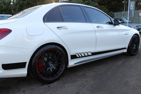 Mercedes-Benz C Class AMG C 63 S PREMIUM - CARBON INTERIOR/DISTRONIC PLUS 19