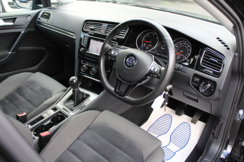 Volkswagen Golf GT TDI BMT - SAT NAV - REVERSING CAMERA- BLUETOOTH-CAMBELT CHANGED -£20 TAX 22