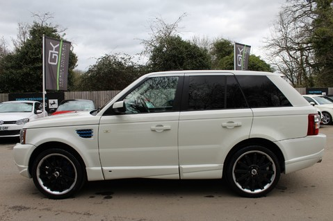 Land Rover Range Rover Sport TDV8 OVERFINCH SPORT HSE - RARE COLOUR COMBO - DIGITAL TV/SUNROOF/BESPOKE 7