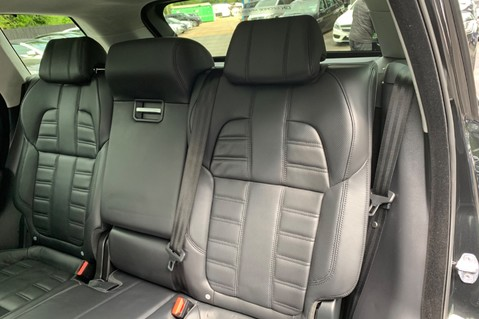 Land Rover Range Rover Sport 4.4SDV8 AUTOBIOGRAPHY DYNAMIC-REAR ENTERTAINMENT/DIGITAL TV/360 CAMS -VAT Q 37