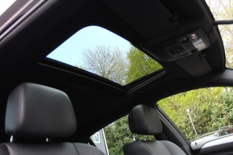 BMW X6 M50D -TOP VIEW CAMERA/PRO NAV/SUNROOF/HEATED SEATS/FULL BMW SERVICE HISTORY 52