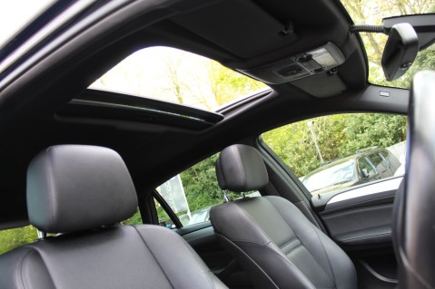 BMW X6 M50D -TOP VIEW CAMERA/PRO NAV/SUNROOF/HEATED SEATS/FULL BMW SERVICE HISTORY 54