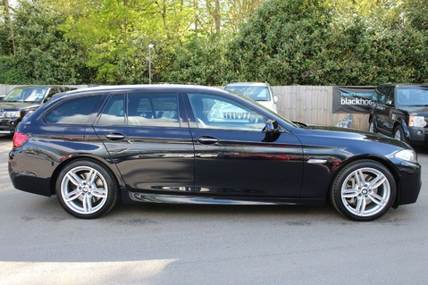 BMW 5 Series 530D M SPORT TOURING - PRO NAV / TOP VIEW CAMERAS / UPGRADED STEREO -FBMWSH 5