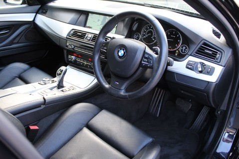 BMW 5 Series 530D M SPORT TOURING - PRO NAV / TOP VIEW CAMERAS / UPGRADED STEREO -FBMWSH 26