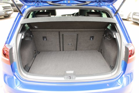 Volkswagen Golf R DSG - DISCOVER NAV PRO/PAN ROOF/LEATHER/PRETORIAS/DCC/CAMERA/LAPIS BLUE 18