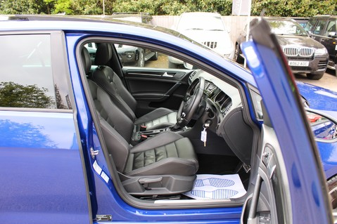 Volkswagen Golf R DSG - DISCOVER NAV PRO/PAN ROOF/LEATHER/PRETORIAS/DCC/CAMERA/LAPIS BLUE 23