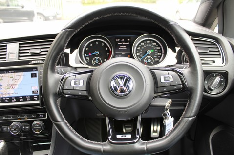 Volkswagen Golf R DSG - DISCOVER NAV PRO/PAN ROOF/LEATHER/PRETORIAS/DCC/CAMERA/LAPIS BLUE 29