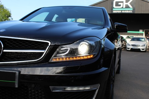 Mercedes-Benz C Class C63 AMG - 2 TONE LEATHER/LANE+BLIND SPOT ASSIST/DAB RADIO/FULL MERC S/HIST/ 18