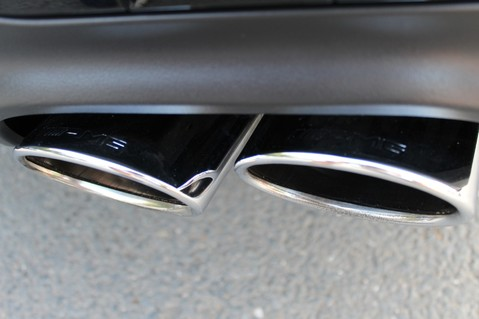 Mercedes-Benz C Class C63 AMG - 2 TONE LEATHER/LANE+BLIND SPOT ASSIST/DAB RADIO/FULL MERC S/HIST/ 25